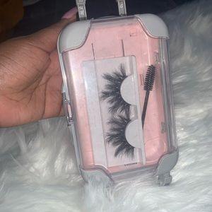 Mink eyelashs
